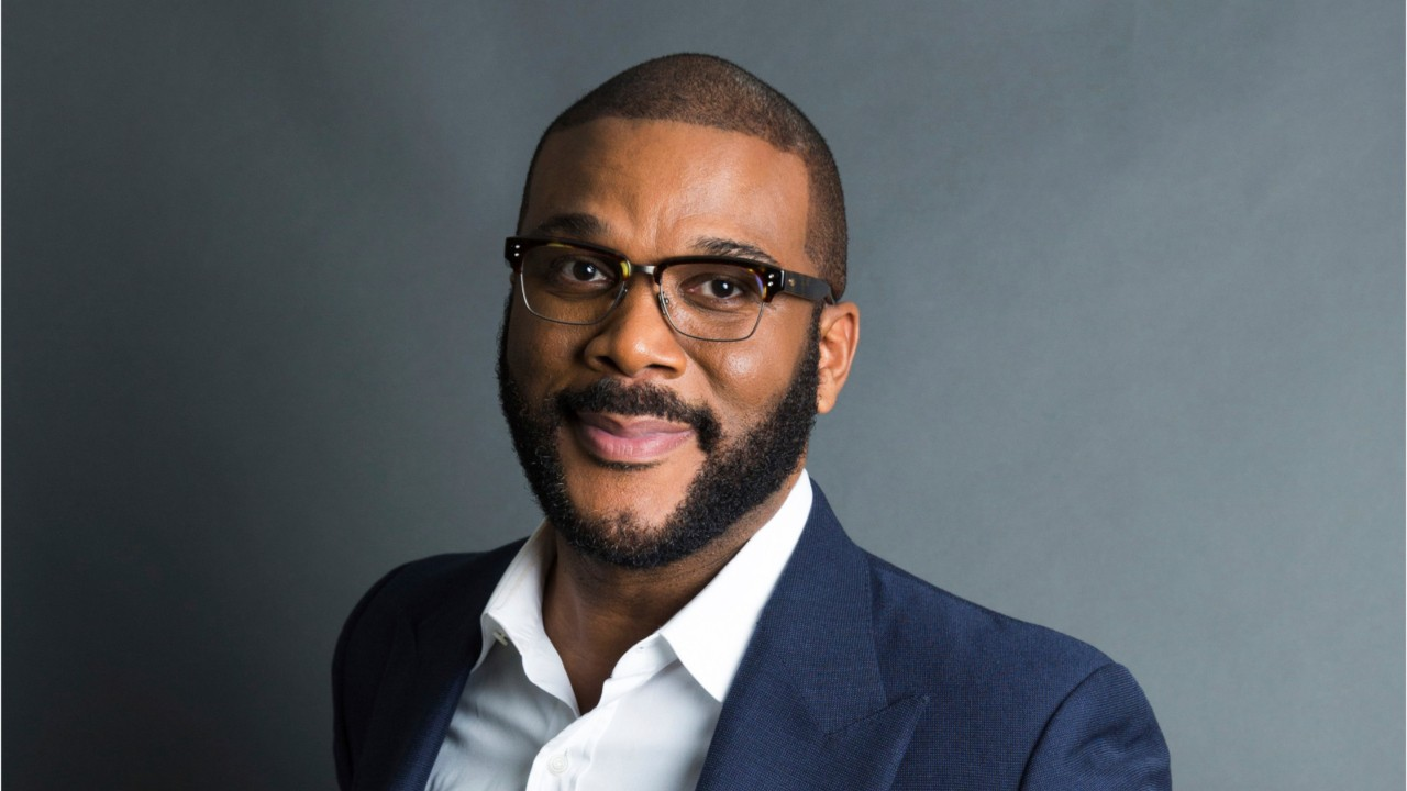 "Tyler Perry Receives Icon Award at 2019 BET Awards: ""Help Somebody Cross"""