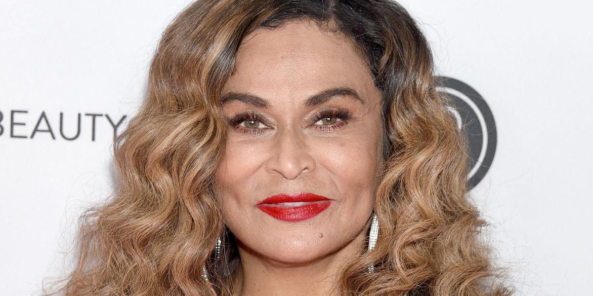 Beyoncé's Mother: Tina Lawson Rocks Mini-Photoshoot
